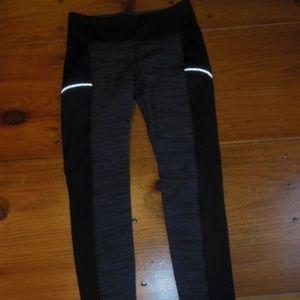 ATHLETA L Black/Charcoal Fleece Lined Leggings